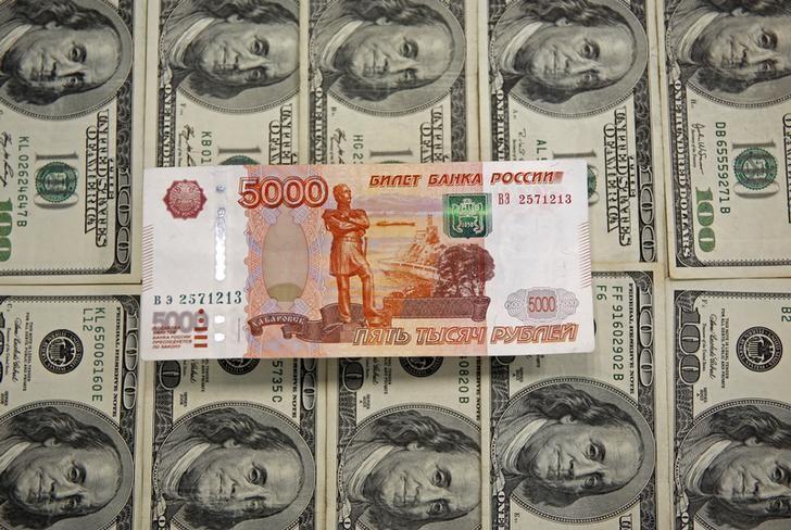 Рубль резко вырос против доллара на фоне возросшего интереса к риску