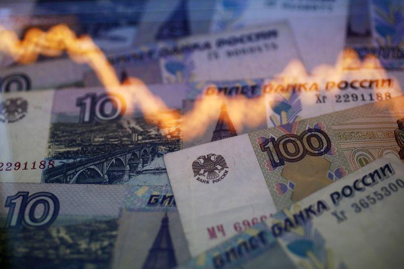 Рубль стабилен после вчерашнего ослабления